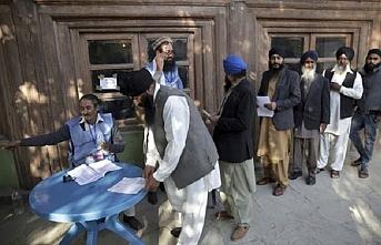 Afganistan'da oy kullanma işlemleri devam ediyor