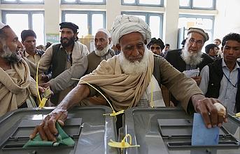 Afganistan'da binlerce seçmenin kaydı silindi