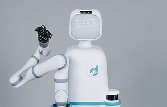 Akıllı robot hastanede işe başladı