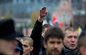 """Avusturya'da """"Hitler selamına"""" 18 ay hapis cezası verildi"""