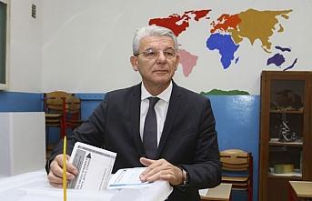 Bosna seçimlerinde İzzetbegoviç'in partisi önde gidiyor