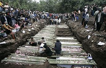 Endonezya'da ölü sayısı artıyor