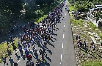 Göçmen karavanı ABD sınırına yaklaştıkça büyüyor