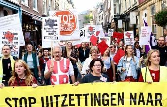 Hollanda'da Afgan mülteci protestosu