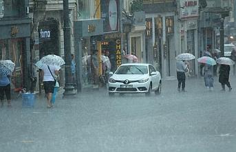 İstanbul güne sağanak yağışla başladı