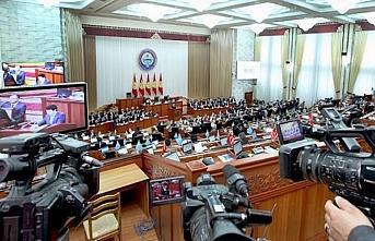 Kırgız meclisinde yemin töreni yapıldı