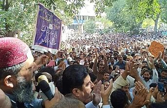 Pakistanlı kamu işçileri isyanda