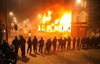 TARİHTE BUGÜN(27 Ekim): Paris'te büyük ayrımcılık isyanı