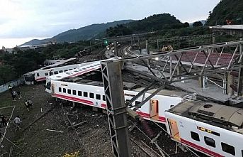 Tayvan'da yolcu treni faciası, 17 ölü 80 yaralı