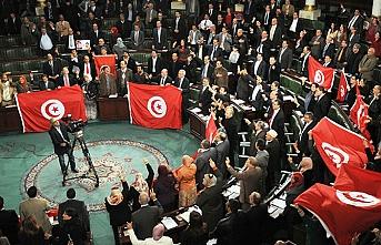 Tunus'ta iki parti iktidar için birleşti