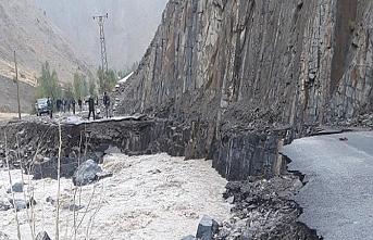 Üç günlük yağış köyü mahvetti
