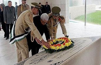 Abbas, Arafat'ın mezarında: Filistin davası zorda