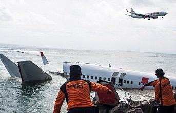 Denize düşen yolcu uçağının karakutusu bulundu