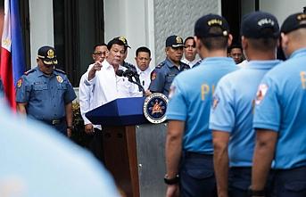Duterte gerekeni yaptı