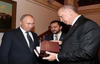Erdoğan'dan Putin'e anlamlı hediye