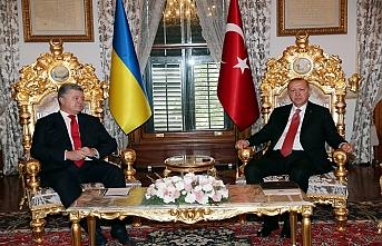 Erdoğan ve Poroşenko basına kapalı görüştü
