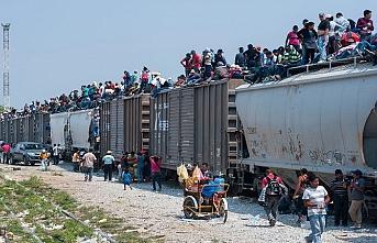 Göçmenler için konuşlanan askerde silah yokmuş