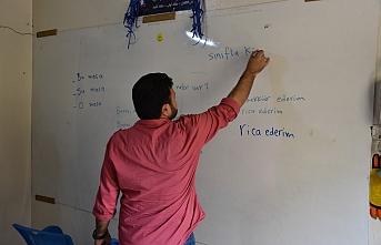 İdlibliler Türkçe öğrenmek için destek bekliyor