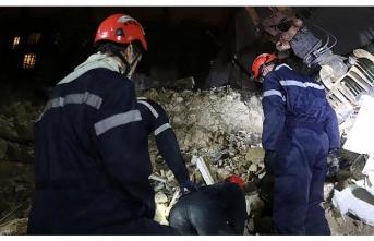 İki bina çöktü: 10 kişi kayıp