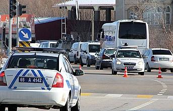 İnsan kaçakçıları Van'da yakayı ele verdi
