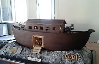Nuh'un Gemisi maketi için kolları sıvadılar