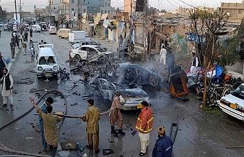 Pakistan'da medreseye saldırı