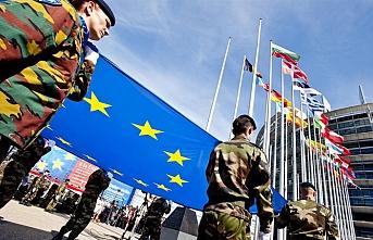 Sınırlara dayanan Rusya'ya karşı Avrupa ordusu