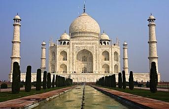 Tac Mahal'de namaz kılmak yasaklandı