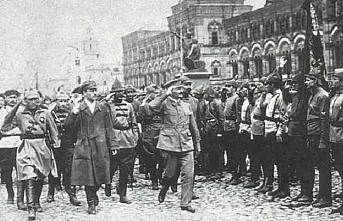 TARİHTE BUGÜN (7 Kasım): Rusya'da Bolşevikler iktidarı ele geçirdi