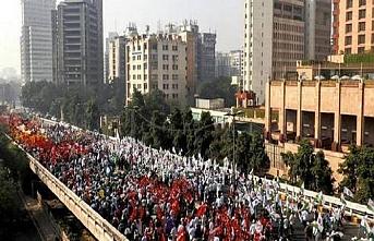 10 bin çiftçi düşük fiyatları protesto etti