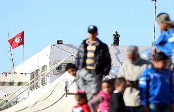 Arap Baharı'nın ateşi Tunus'ta protestoların gölgesinde kaldı