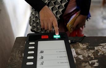 Bangladeş seçim öncesi mobil internet hızını yavaşlatıyor