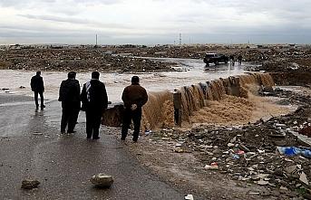 Erbil yağışlarla felç oldu