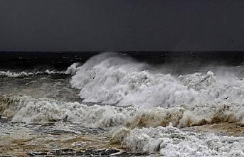 Filipinler'de 6,9 büyüklüğünde deprem, tsunami uyarısı yapıldı
