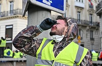 Fransa'da başlangıç bilançosu: Biber gazı ve 481 gözaltı