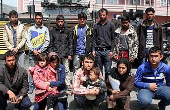 Göçmenler jandarma operasyonuyla kurtarıldı
