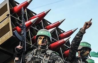 Kassam Tugaylarından Gazze'de askeri geçit