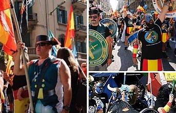 Katalanlar Barselona'da hayatı felce uğrattı