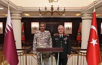 Katar Kara Kuvvetleri Komutanın'dan Yaşar Güler'e ziyaret