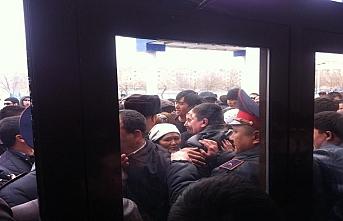 Kazakistan'da toplu gözaltılar hakkında açıklama