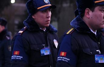 Kırgızistan'da turistler için milisler göreve başladı