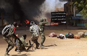 Mali'de sivillere saldırı