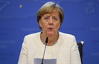 Merkel: Göç tüm dünyanın sorunu