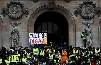 Paris'te 85 İsrail'de 10 Sarı Yelekli gözaltına alındı