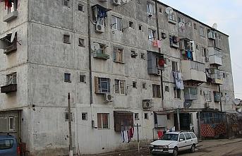Rumenlerin yarısı eski evlerde yaşıyor