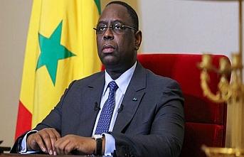 Senegal Cumhurbaşkanından güç gösterisi