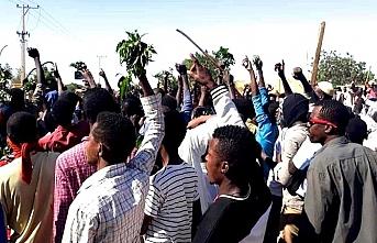Sudan'da cuma namazı sonrası gösteri çağrısı