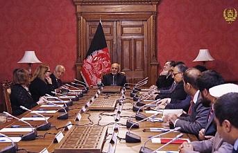 ABD temsilcisi Halilzad Afganistan lideriyle birlikte