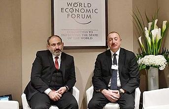 Aliyev ve Paşinyan'dan gayriresmi görüşme