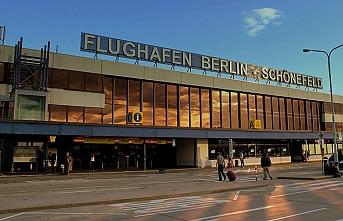 Berlin havalimanlarında 4 saatlik grev